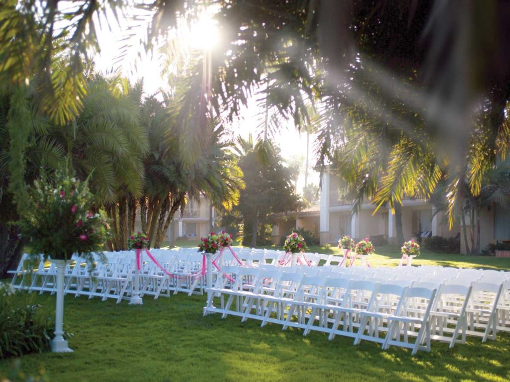 Wedding on the grass at San Diego Mission Bay Resort
